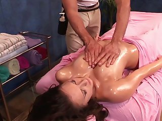 Masseur oils up coupled with fucks nice pussy of sexy consumer Katie Summers