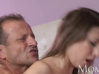 MOM MILF can not stop squirting presently she cums