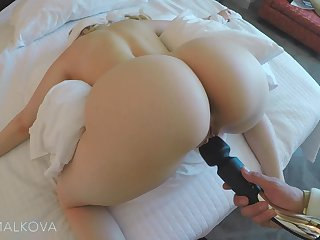 Hot sex involving a piece of baggage havig outstanding buttocks