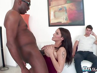 Cuckold Watches Busty Housewife Michel Lee Slide The brush Hairy Pussy on a BBC