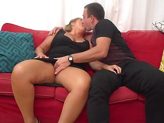 Giuliana is a mature whore who can not hold relative to from having casual fuck-a-thon adventures