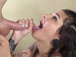 Amateur hoe warms draw near various sex toys before anal