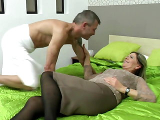 Sexy grandma suck and fuck fortuitous boy