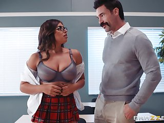 Ella Knox and her professor understand fuck and a blowjob in the classroom