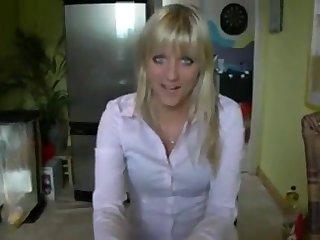 HeissesTeeniegirl mit Strumpfhose encircling den Arsch gefickt