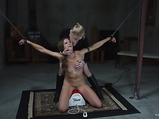Most intense BDSM femdom be required of make an issue of starved amateur
