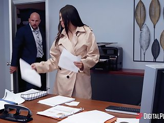 Secretary sucks dick added to fucks at someone's skin same time eon with playing kinky