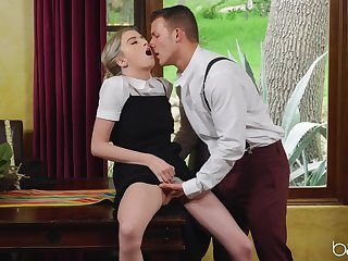 Shrunken babe feels perfect fucking at the office